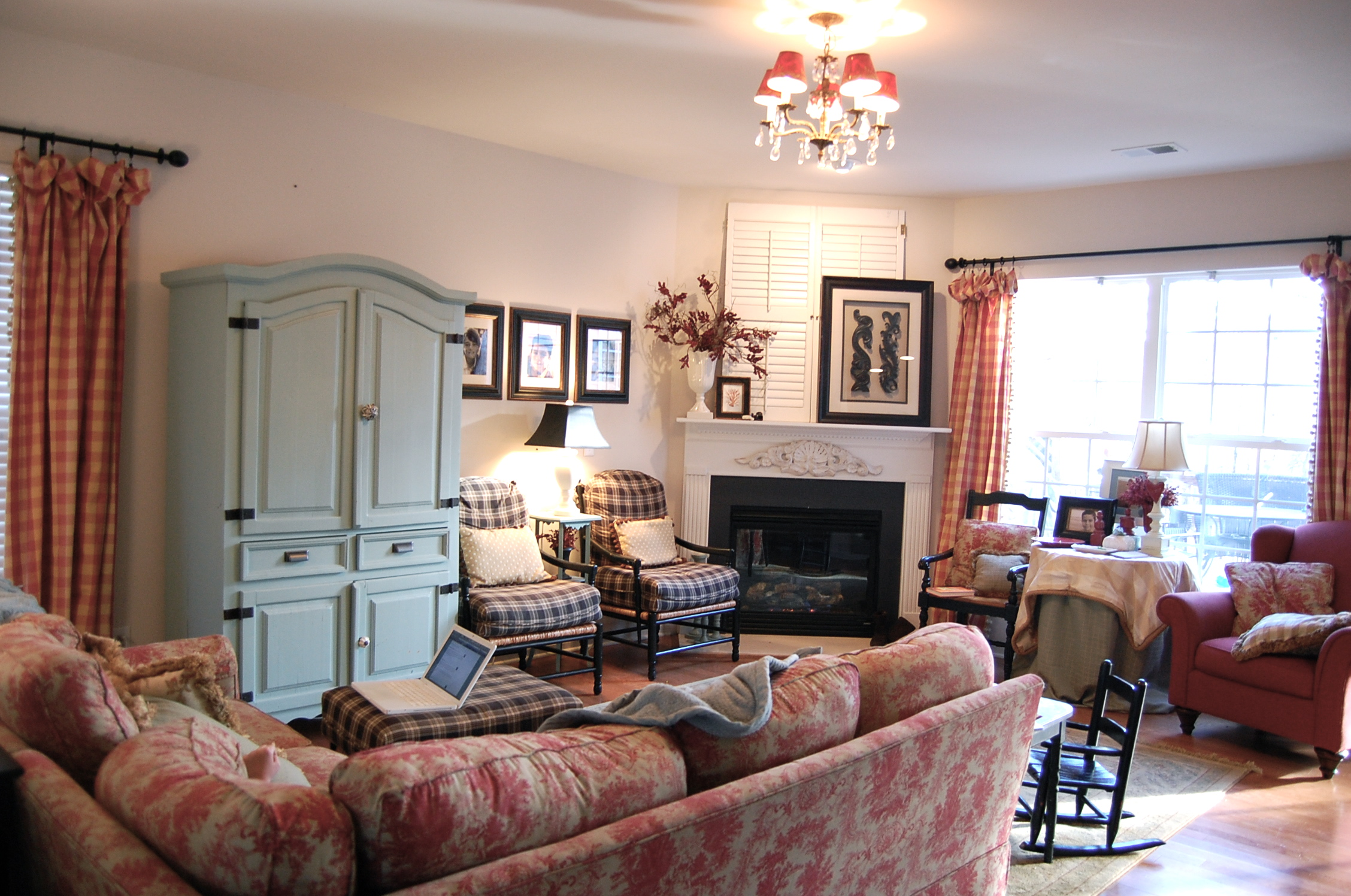 Family room new best family room design makeover living for Example living room layouts