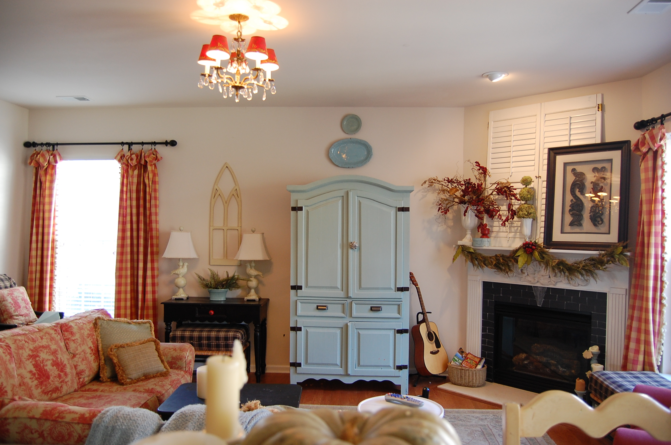 How To Decorate A Living Room Without A Fireplace Cozy Uamp Small Living Room Interior Designs