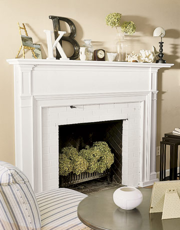 Fall mantel party and yard sale update - Non working fireplace decor ...