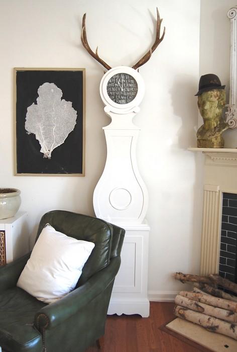 horned clock