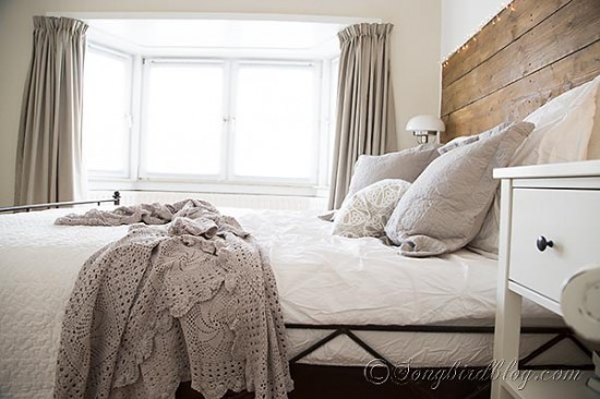 bed-room-decorating-white-and-grey-4