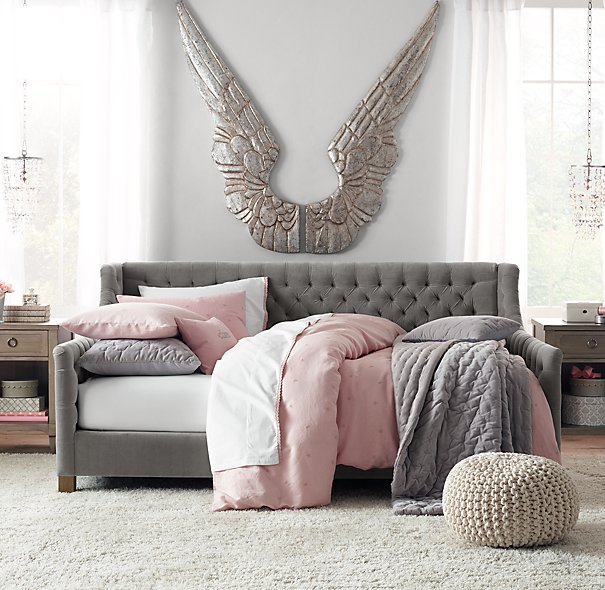 Sofa-Style Daybeds