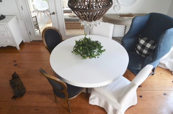 When A Round Dining Table Is Great Choice
