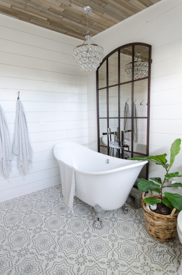 modern-farmhouse-bathroom-master-bathroom-ideas-urban-farmhouse-bath-remodel-38
