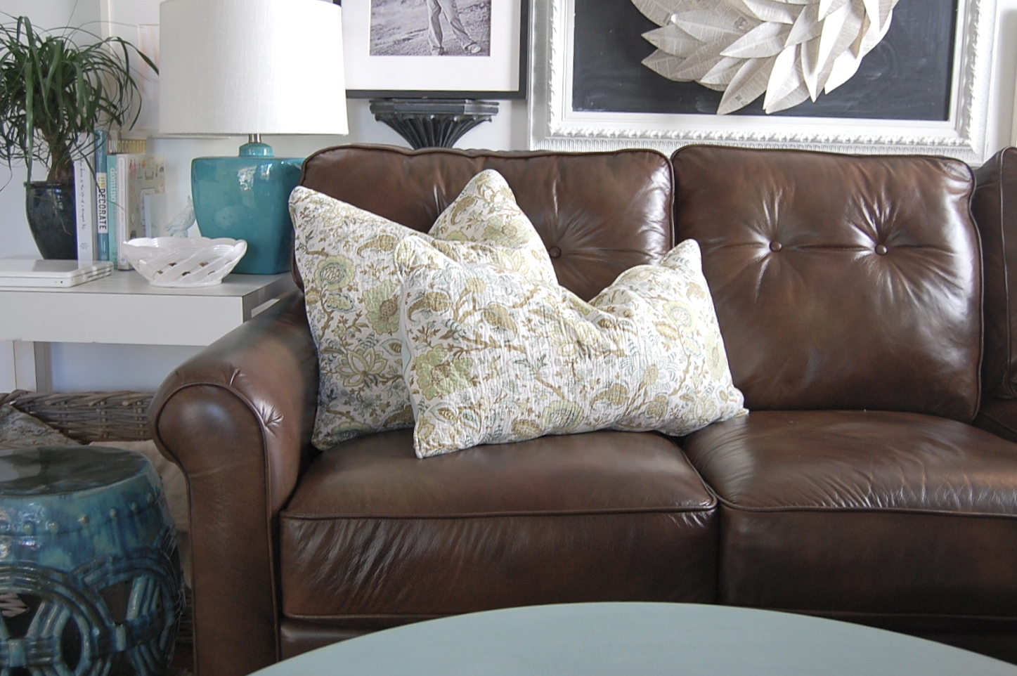 Decorative throw pillows for Decorating with throw pillows