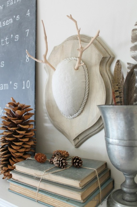DIY-Faux-Driftwood-Deer-Antlers-Easy-Holiday-Project-CF-682x1024