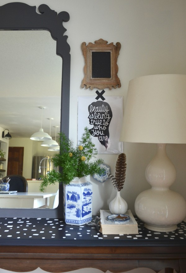 vignette me spotted table