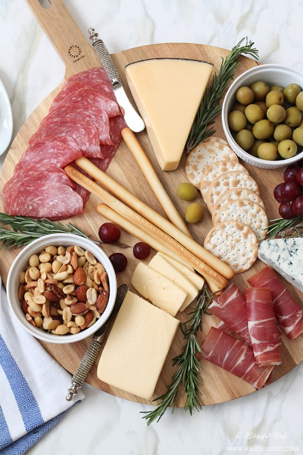 How-To-Make-The-Perfect-Meat-Cheese-Tray-by-A-Blissful-Nest-003